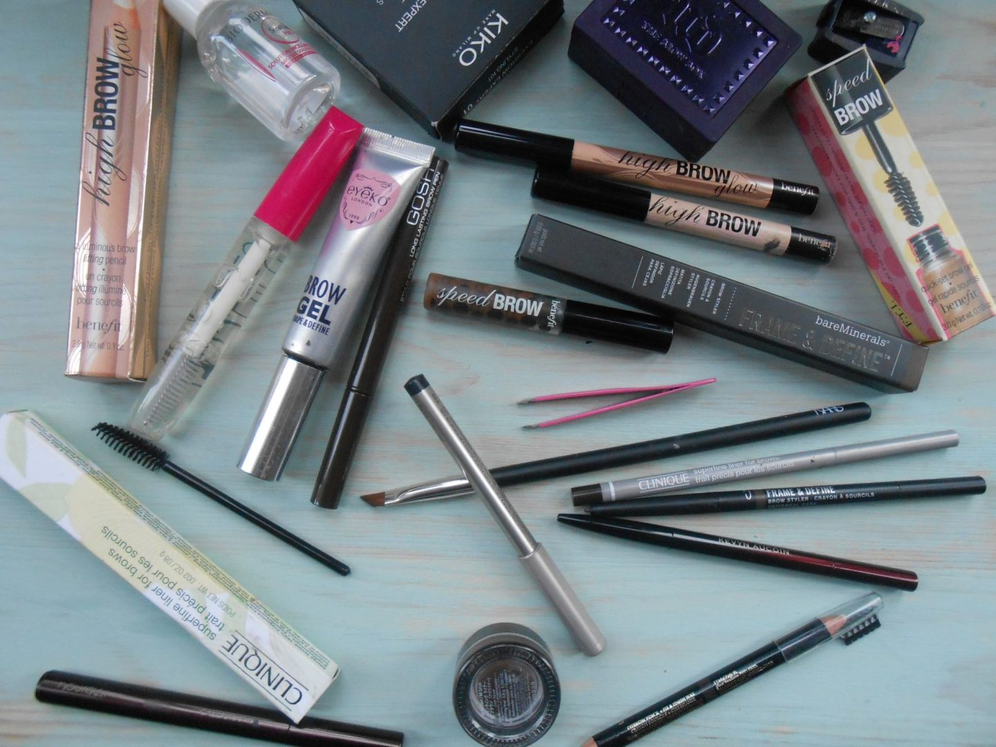 346d23a6a02 A makeup question I am always asked is how I do my brows. They are the one  thing I constantly get complimented on, and I take a little bit more pride  in ...