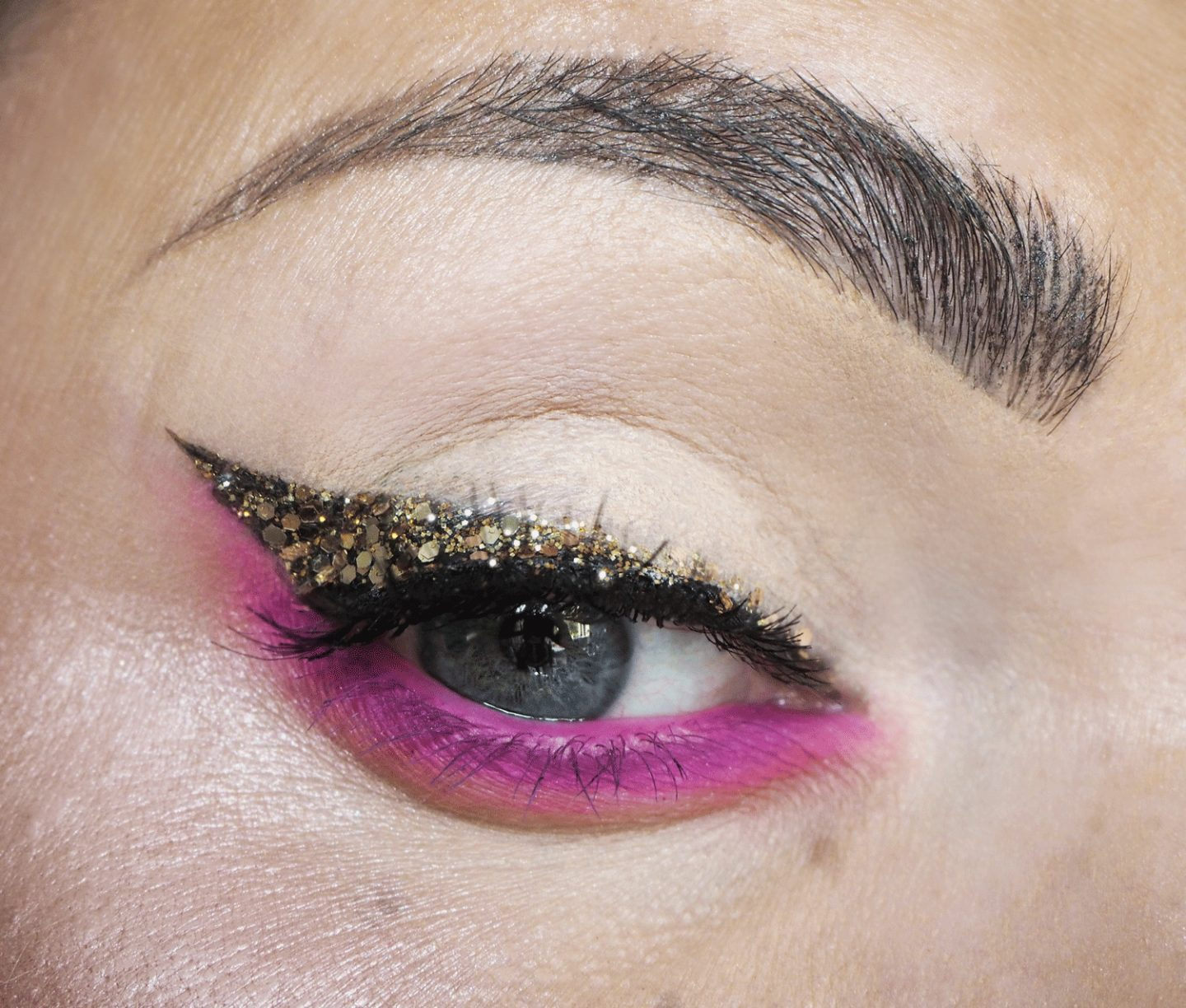 pink and gold glitter eye makeup look