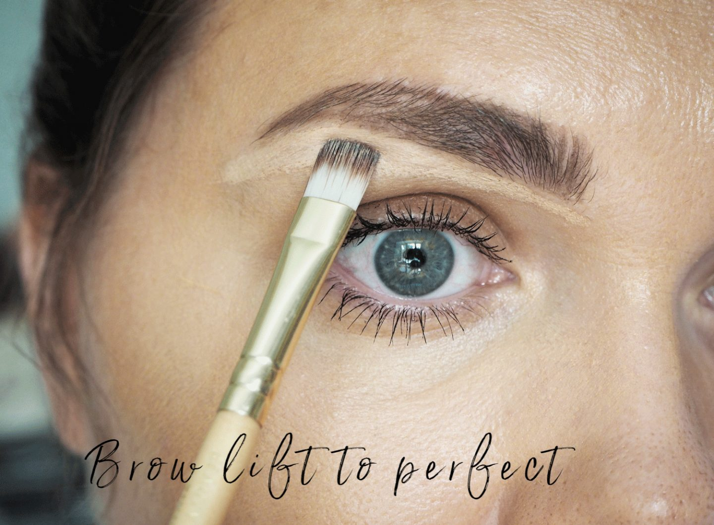 how to open up the eyes with makeup