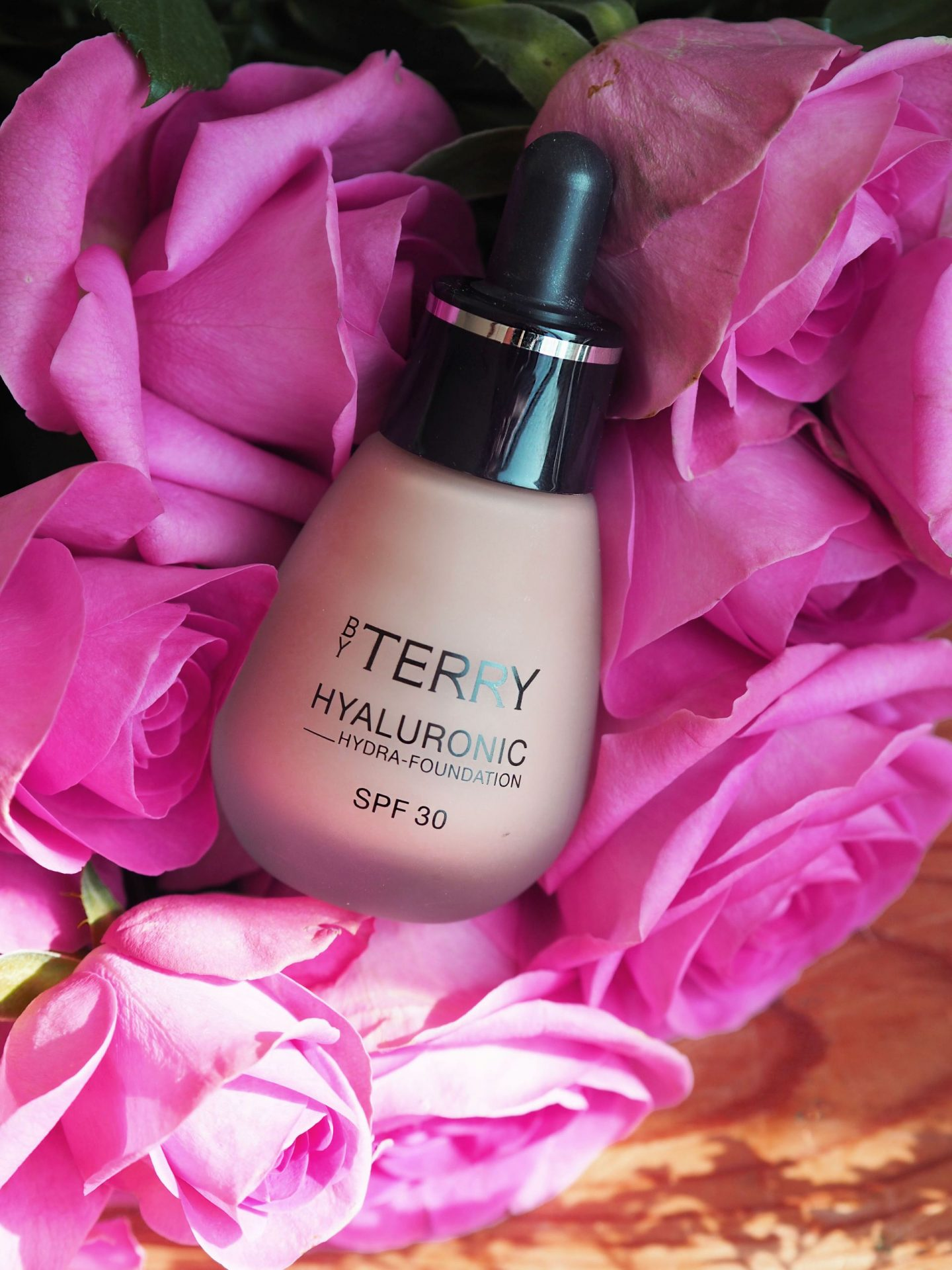 by terry hyaluronic hydra foundation spf30 review